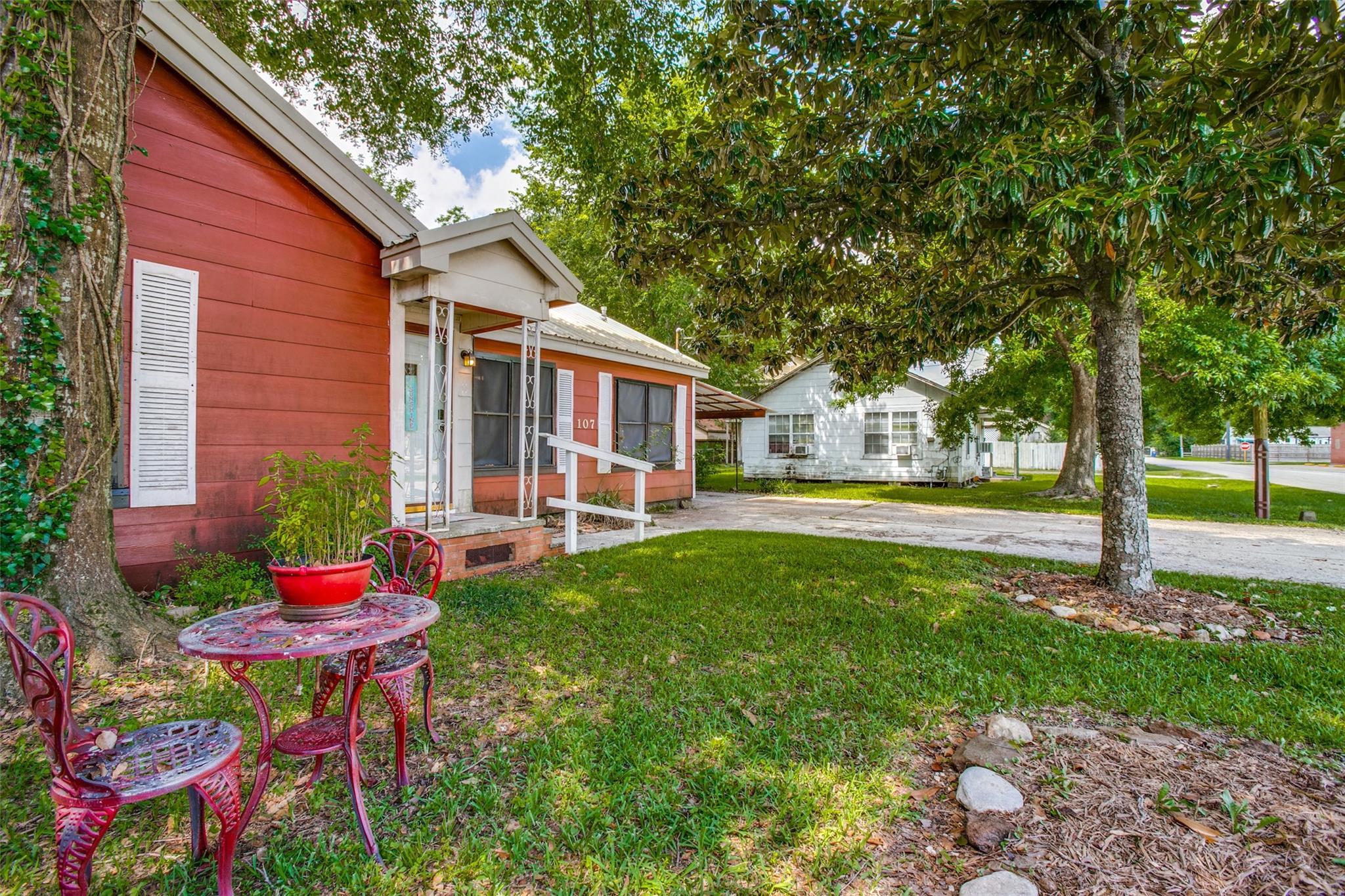 107 Avenue D Property Photo