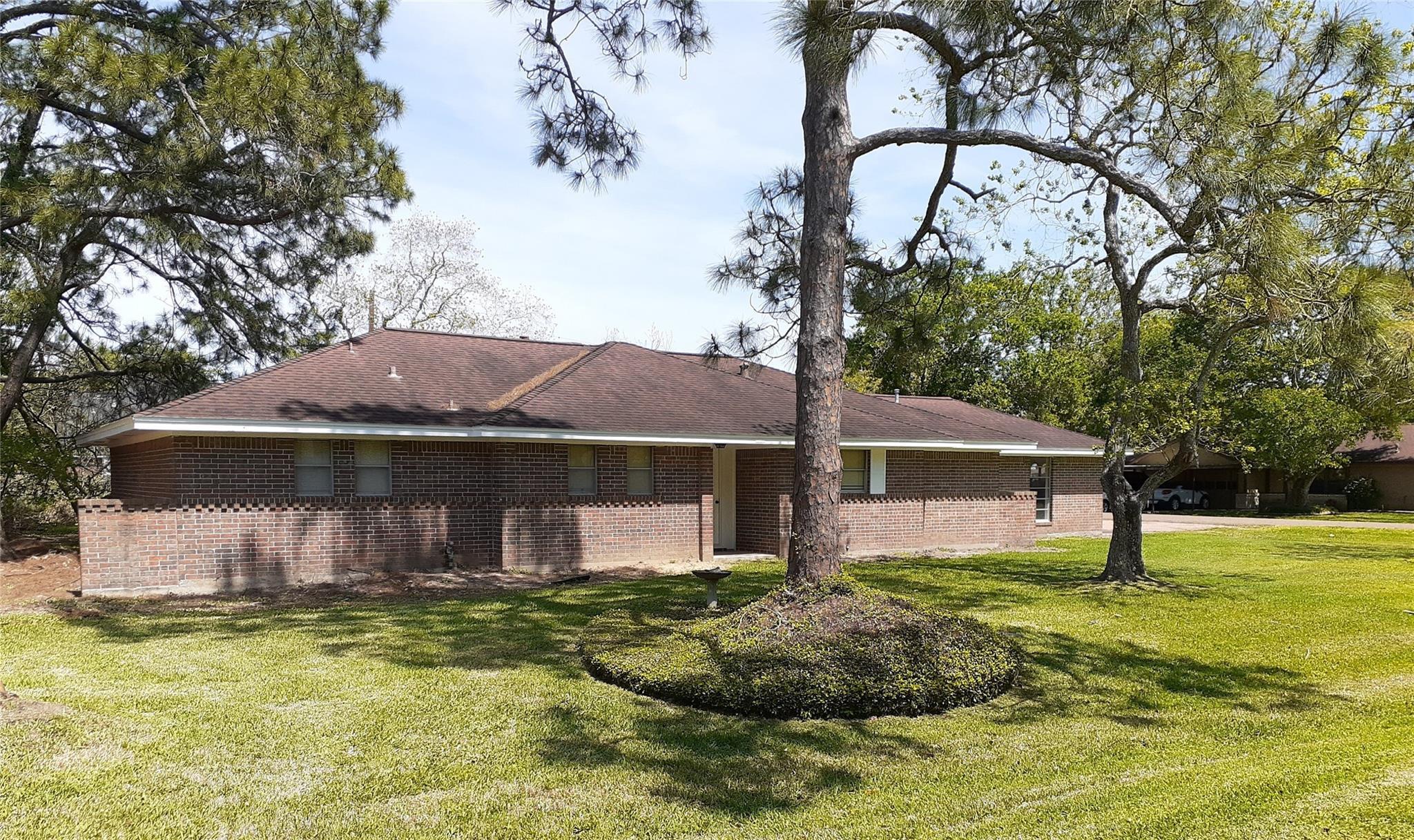 2123 Avenue K Property Photo - Danbury, TX real estate listing