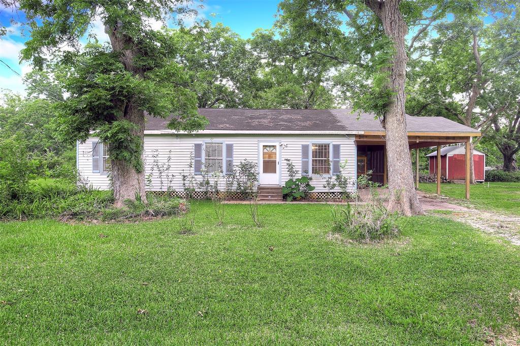 7021 Live Oak Drive Property Photo - Jones Creek, TX real estate listing