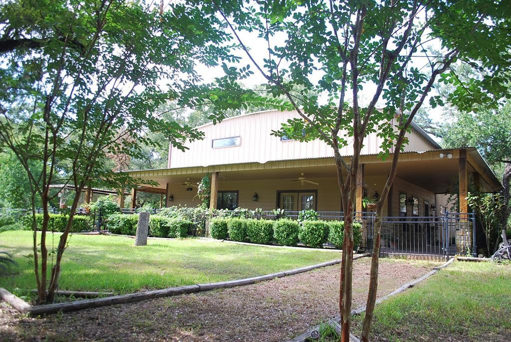 1077 Blue Bird Lane Property Photo - Columbus, TX real estate listing