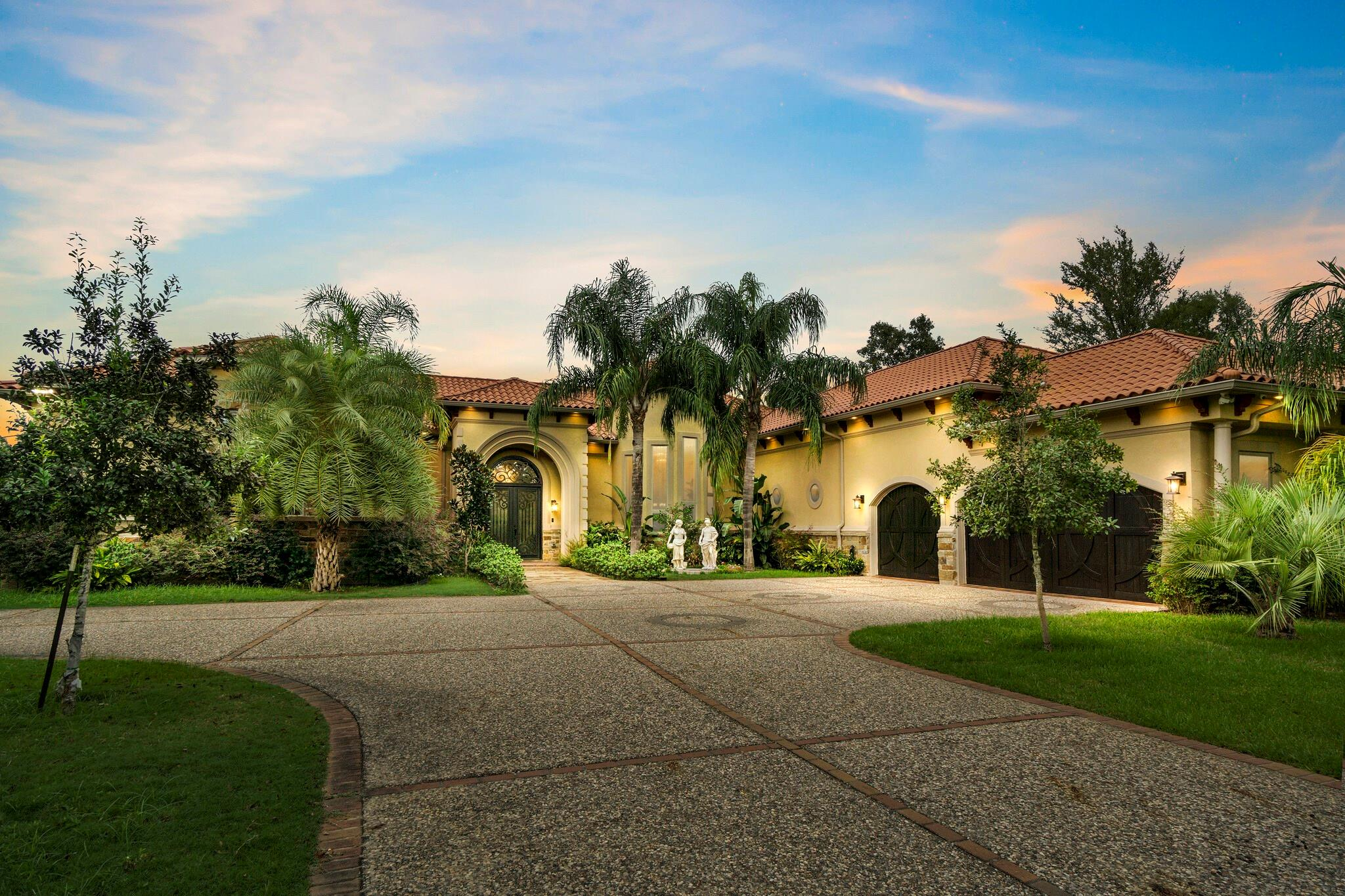 490 Royal Navigator Road Property Photo - Montgomery, TX real estate listing