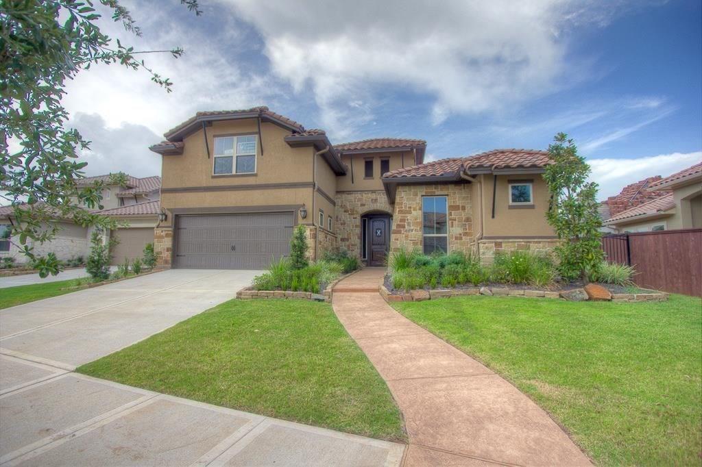 63 silent circle drive Property Photo - Sugar Land, TX real estate listing