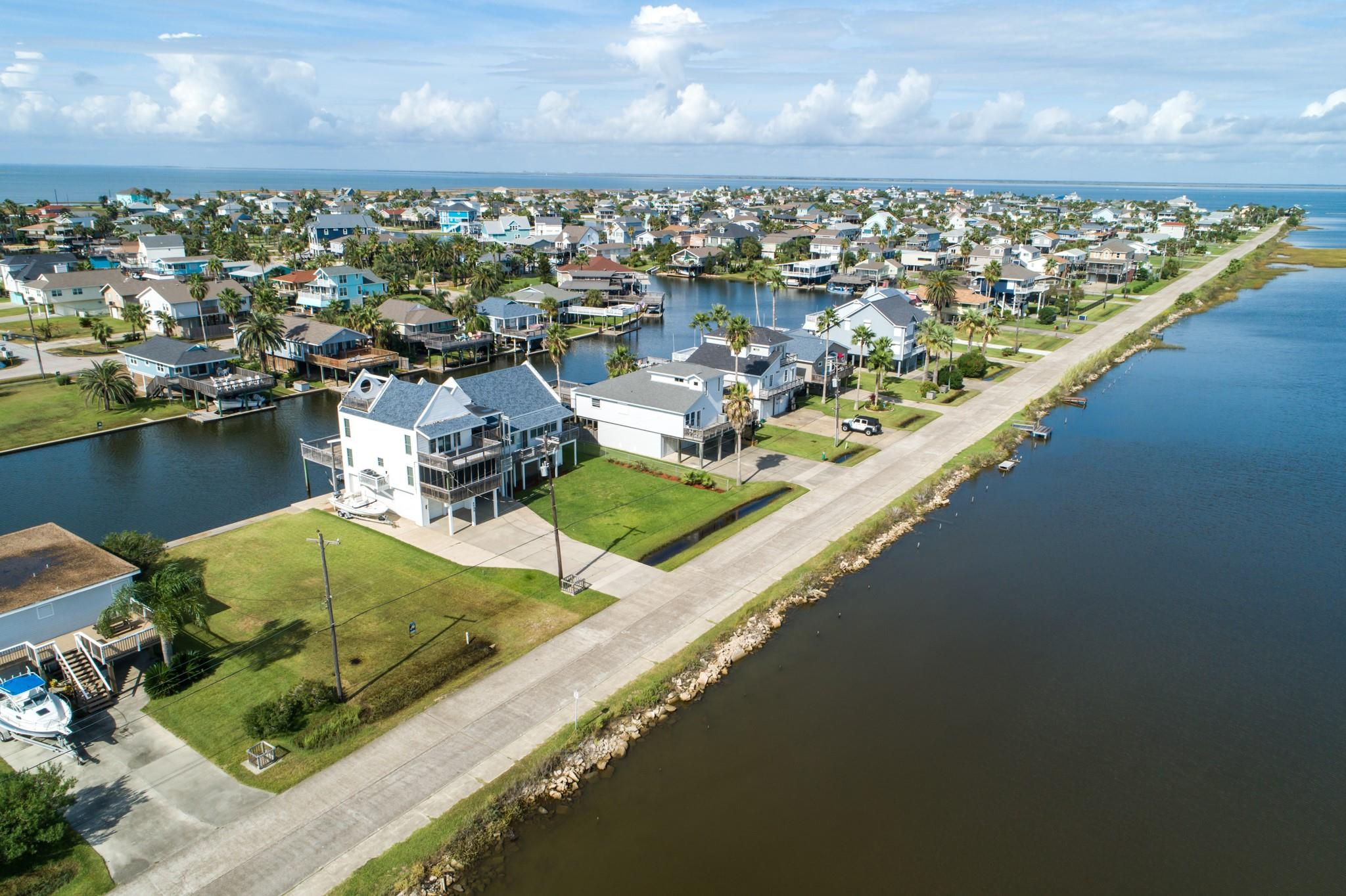 Lot 5 Jolly Roger Road Property Photo - Jamaica Beach, TX real estate listing