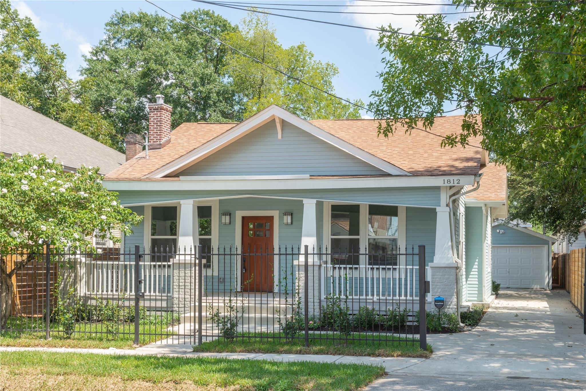 1812 Everett Street Property Photo