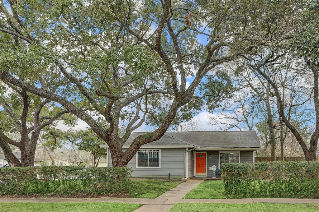 2903 Tidewater Drive, Houston, TX 77045 - Houston, TX real estate listing