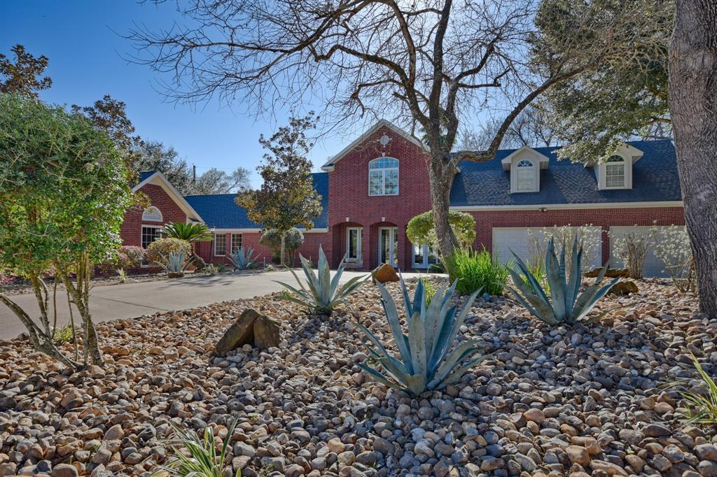 610 Oak Creek Court, Sealy, TX 77474 - Sealy, TX real estate listing