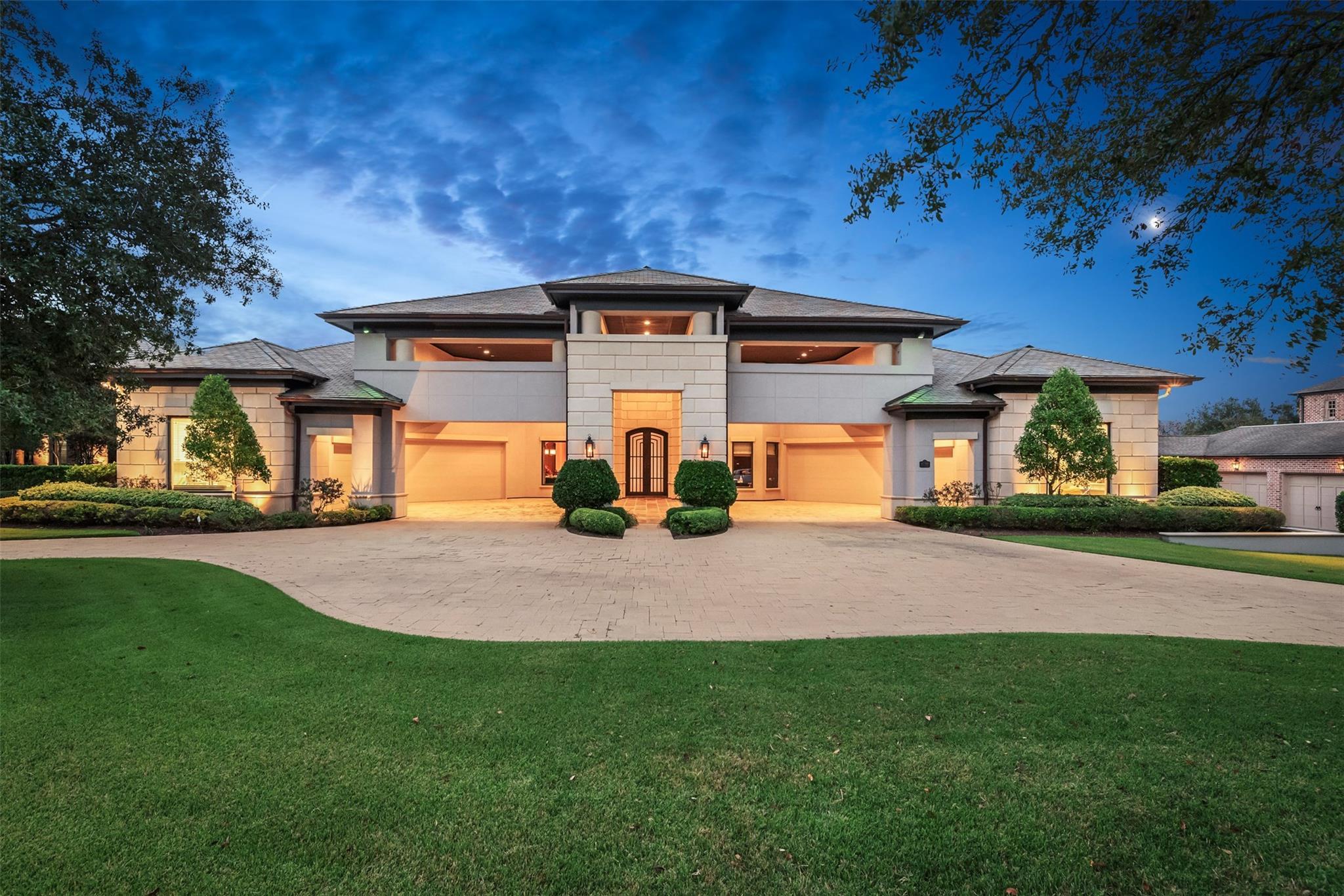 4718 Heron Lakes Drive Property Photo - Bryan, TX real estate listing