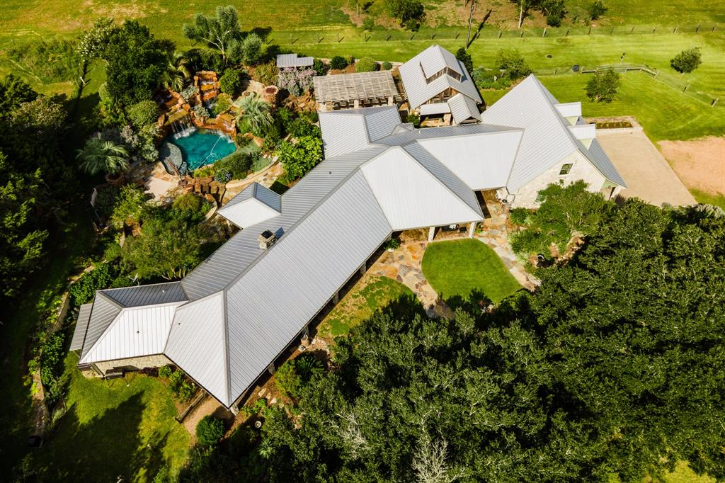 8808 Lake Drive Property Photo - Chappell Hill, TX real estate listing