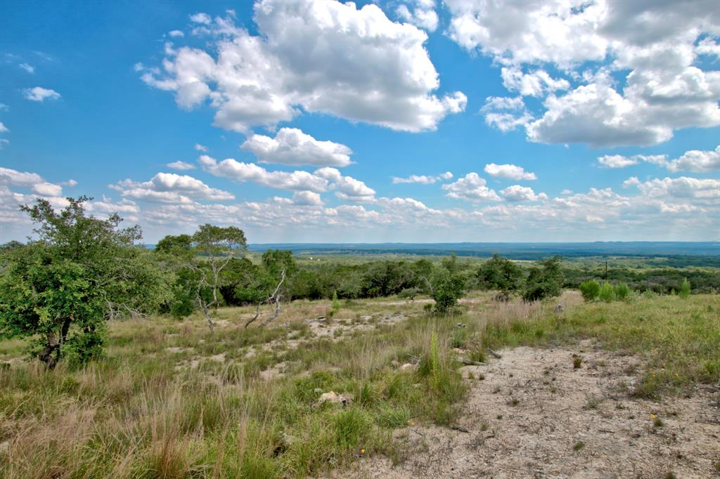 81 High Point Ranch Road Property Photo - Boerne, TX real estate listing