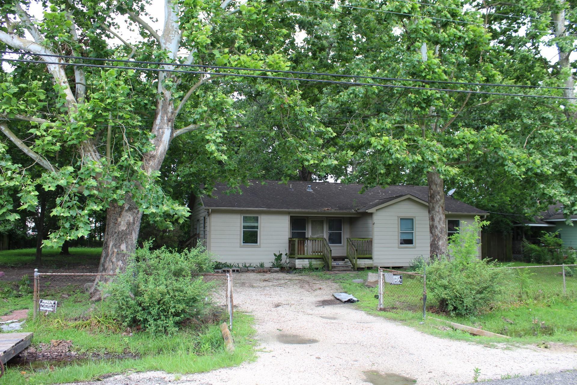 15817 Muskegon Street Property Photo