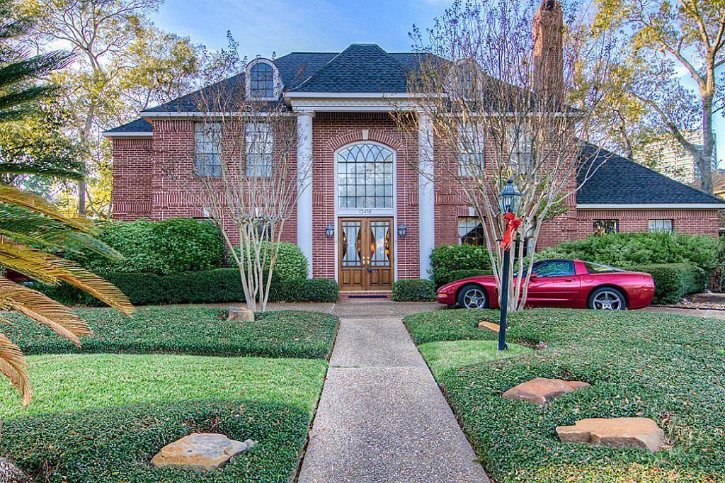 15418 Walkwood Drive Property Photo