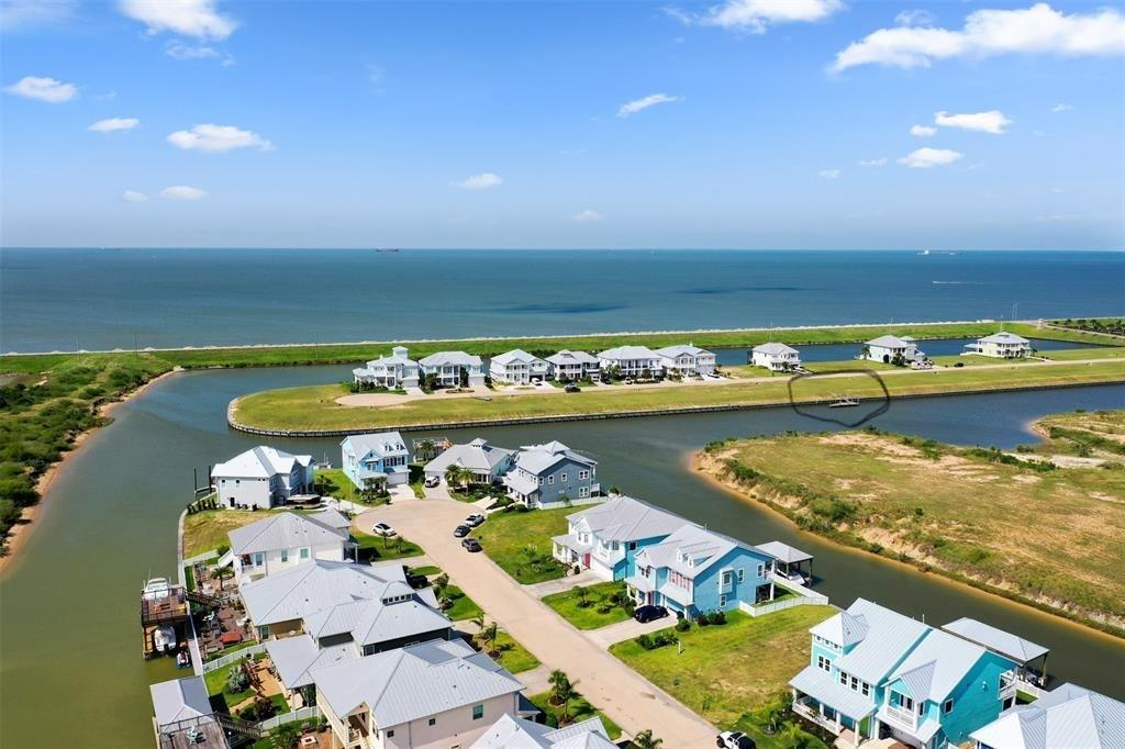 1213 Highbourne Cay Ct Property Photo - Texas City, TX real estate listing