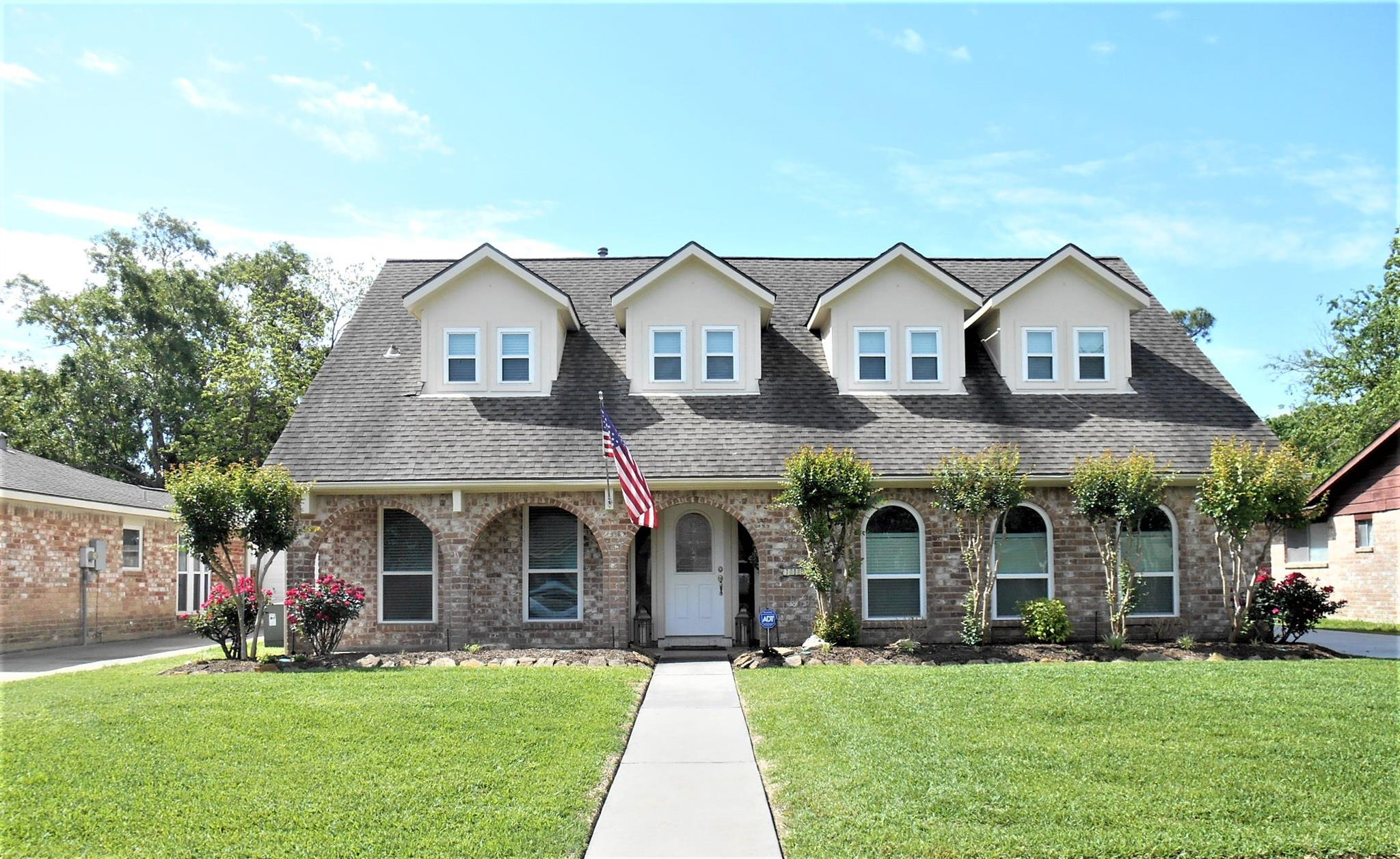 11907 Meadowdale Property Photo