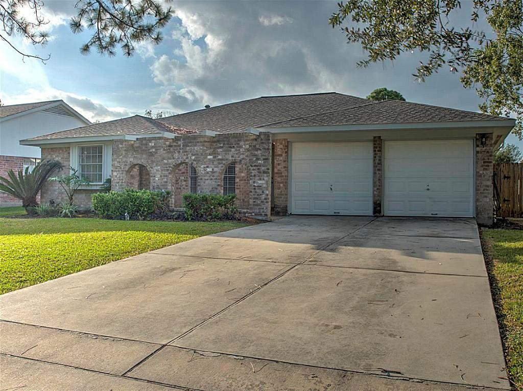 11830 Mulholland Drive Property Photo - Meadows Place, TX real estate listing