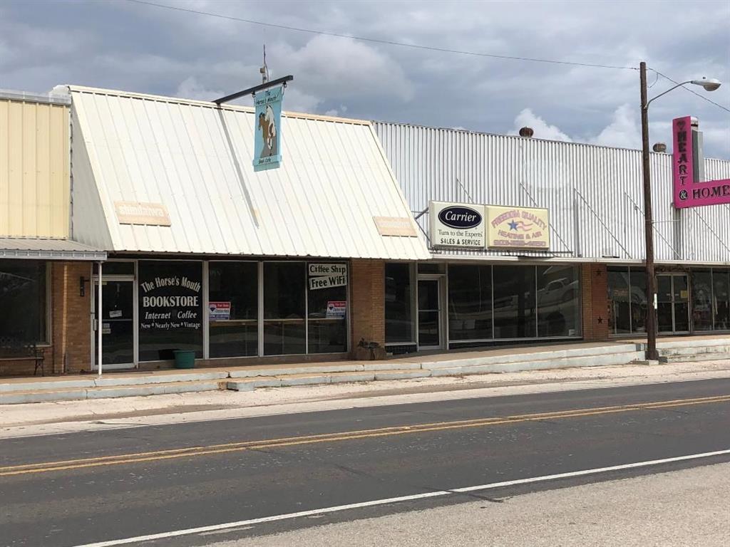 1034 E Commerce Property Photo - Buffalo, TX real estate listing
