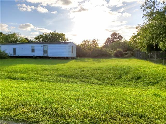 100 Kelly Road Property Photo - Smith Point, TX real estate listing