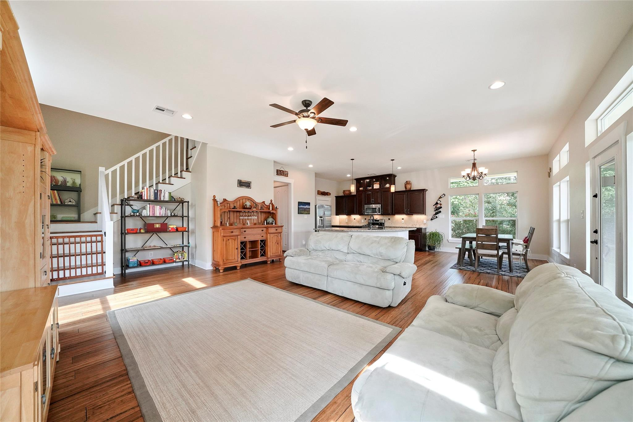 906 Dogwood Road Property Photo - Clear Lake Shores, TX real estate listing