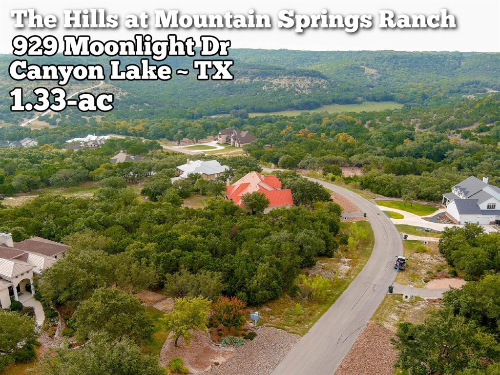 929 Moonlight Drive Property Photo - Canyon Lake, TX real estate listing