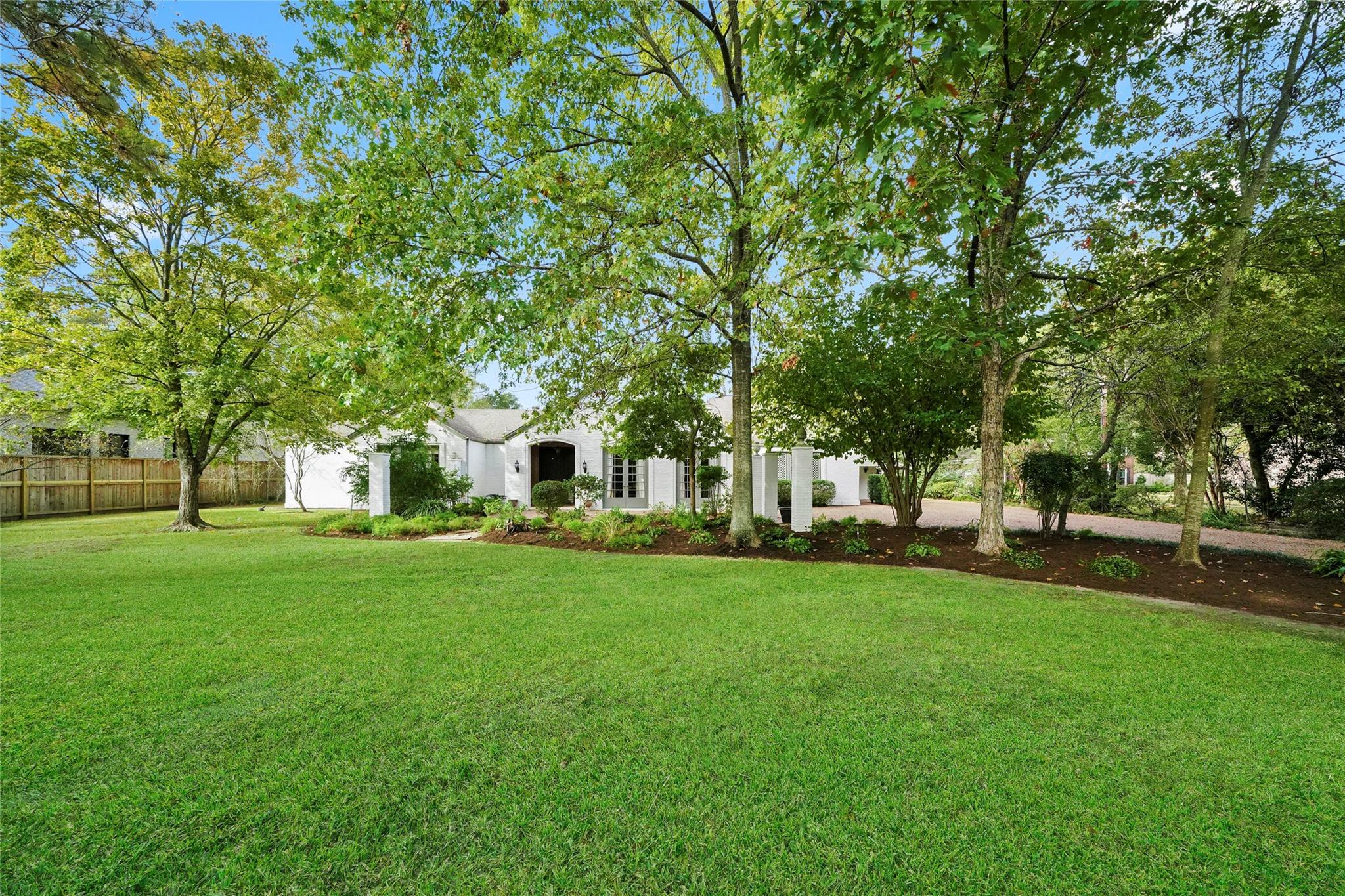 777 Ourlane Circle Property Photo - Bunker Hill Village, TX real estate listing