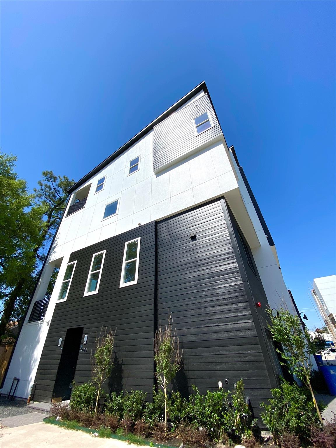 2412L Canal Street Property Photo - Houston, TX real estate listing