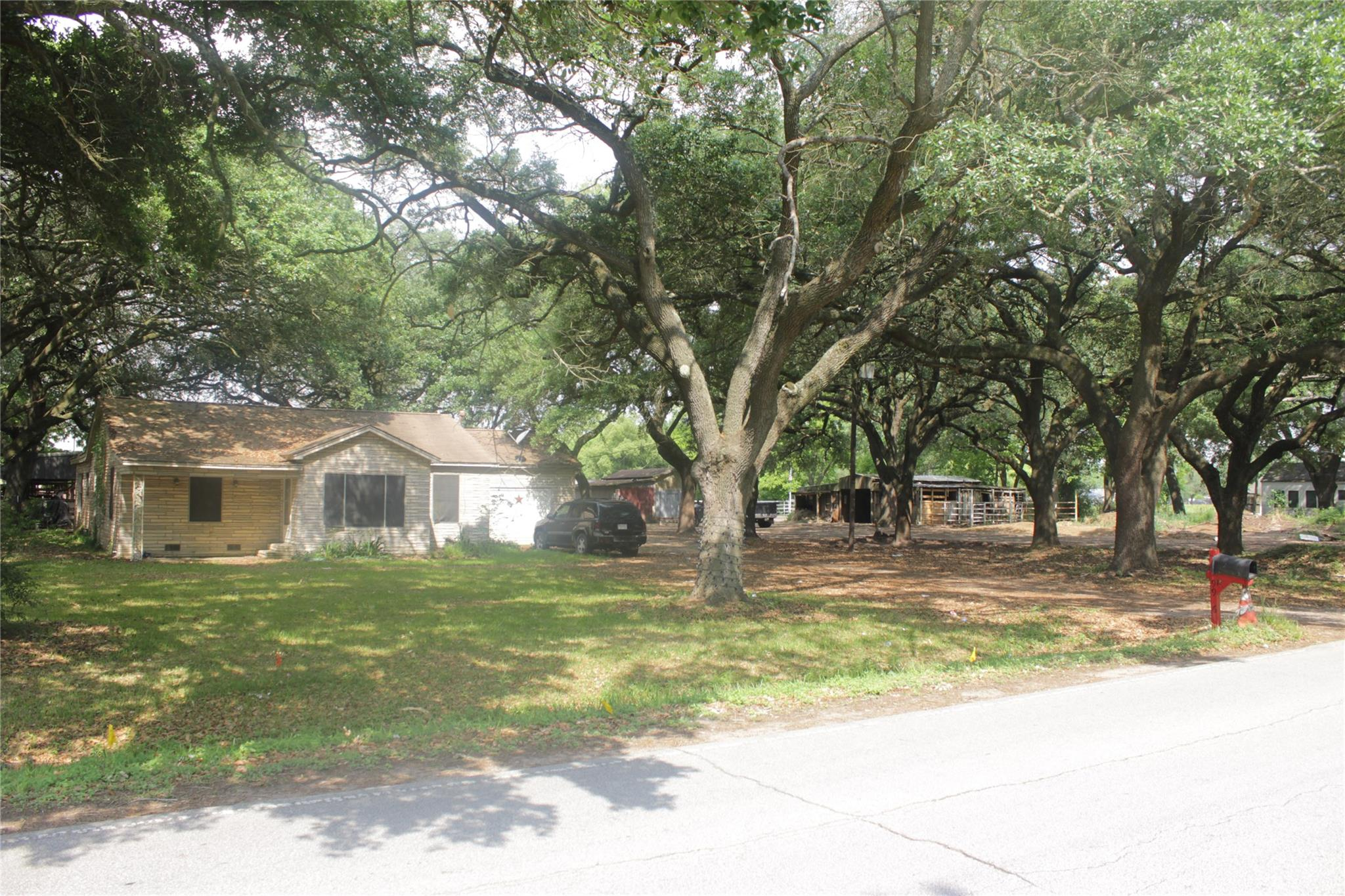 9926 Easthaven Boulevard Property Photo - Houston, TX real estate listing