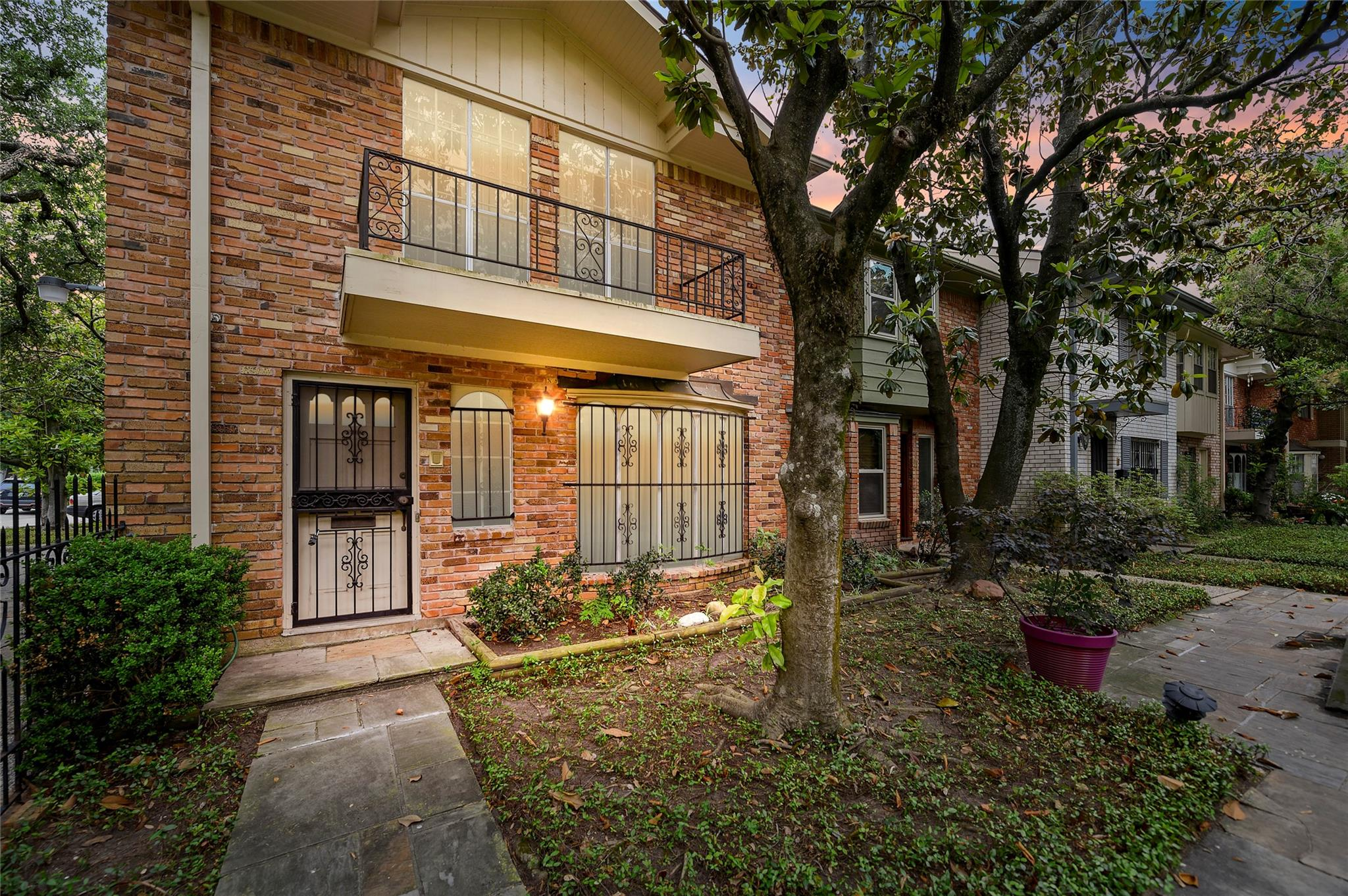 5534 Holly Street #a Property Photo