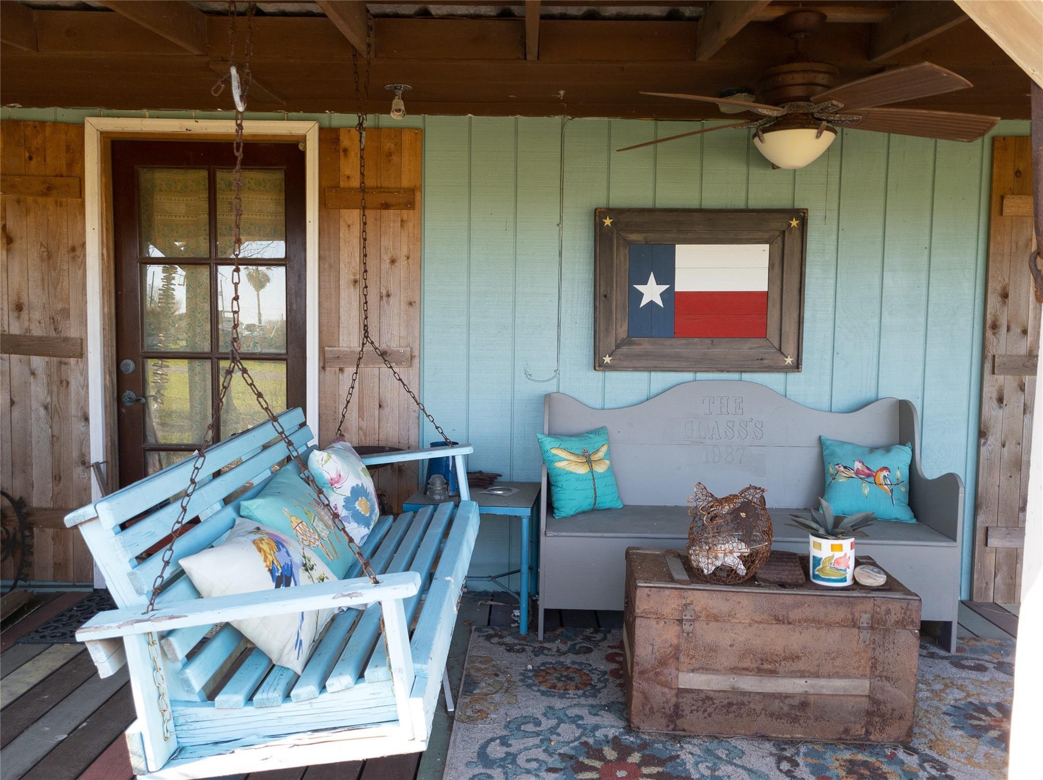 112 Peggy Street E Property Photo - Palacios, TX real estate listing