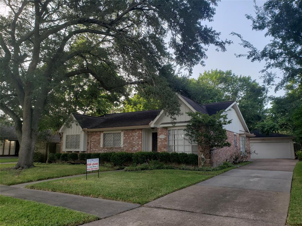 12315 Dorrance Lane Property Photo - Meadows Place, TX real estate listing