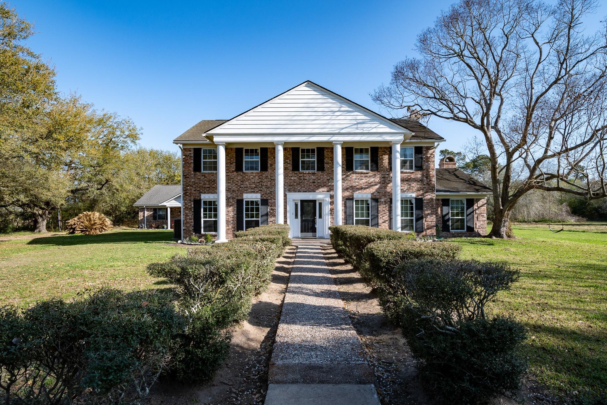1425 FM 2936 Property Photo - Anahuac, TX real estate listing
