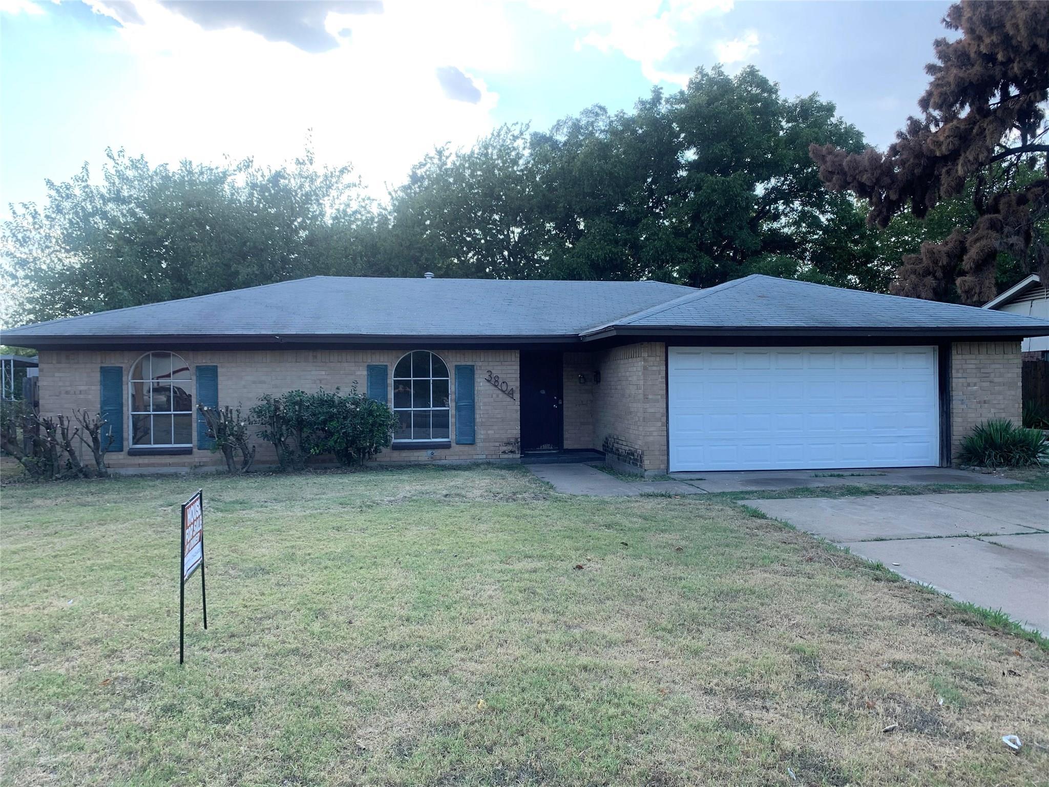 3804 Raphael Street Property Photo - Fort Worth, TX real estate listing