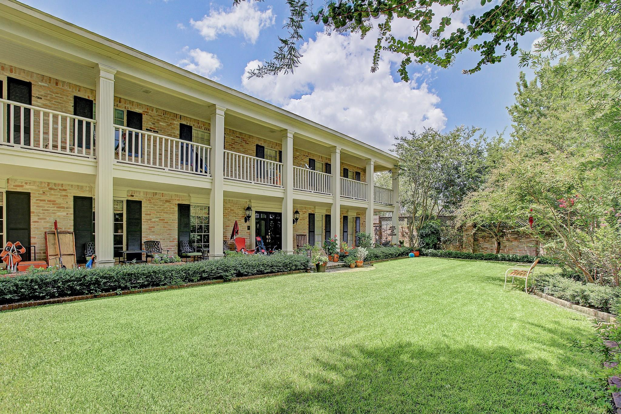 42 E Broad Oaks Drive Property Photo