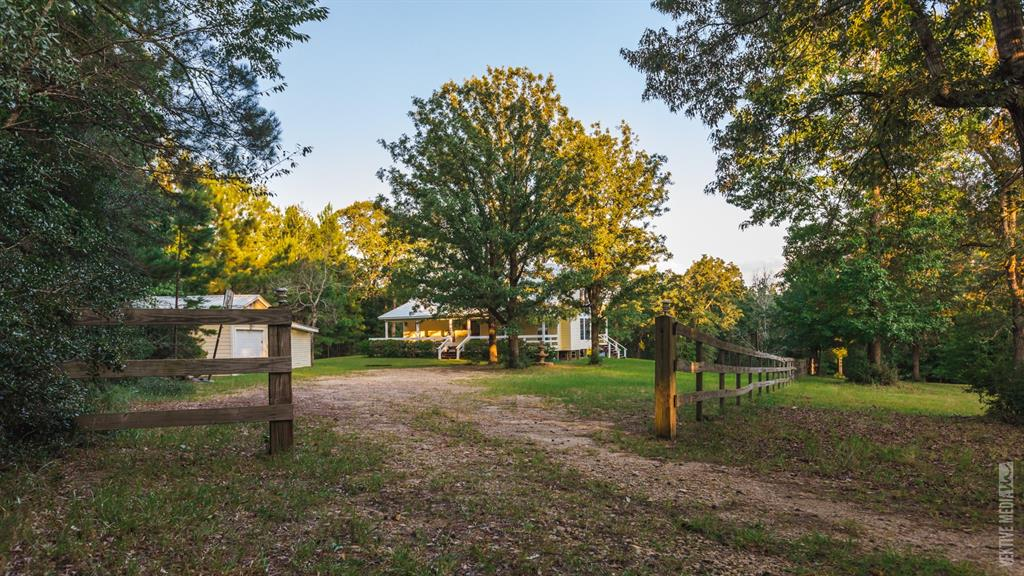 418 Hackberry Lane, Brookeland, TX 75931 - Brookeland, TX real estate listing