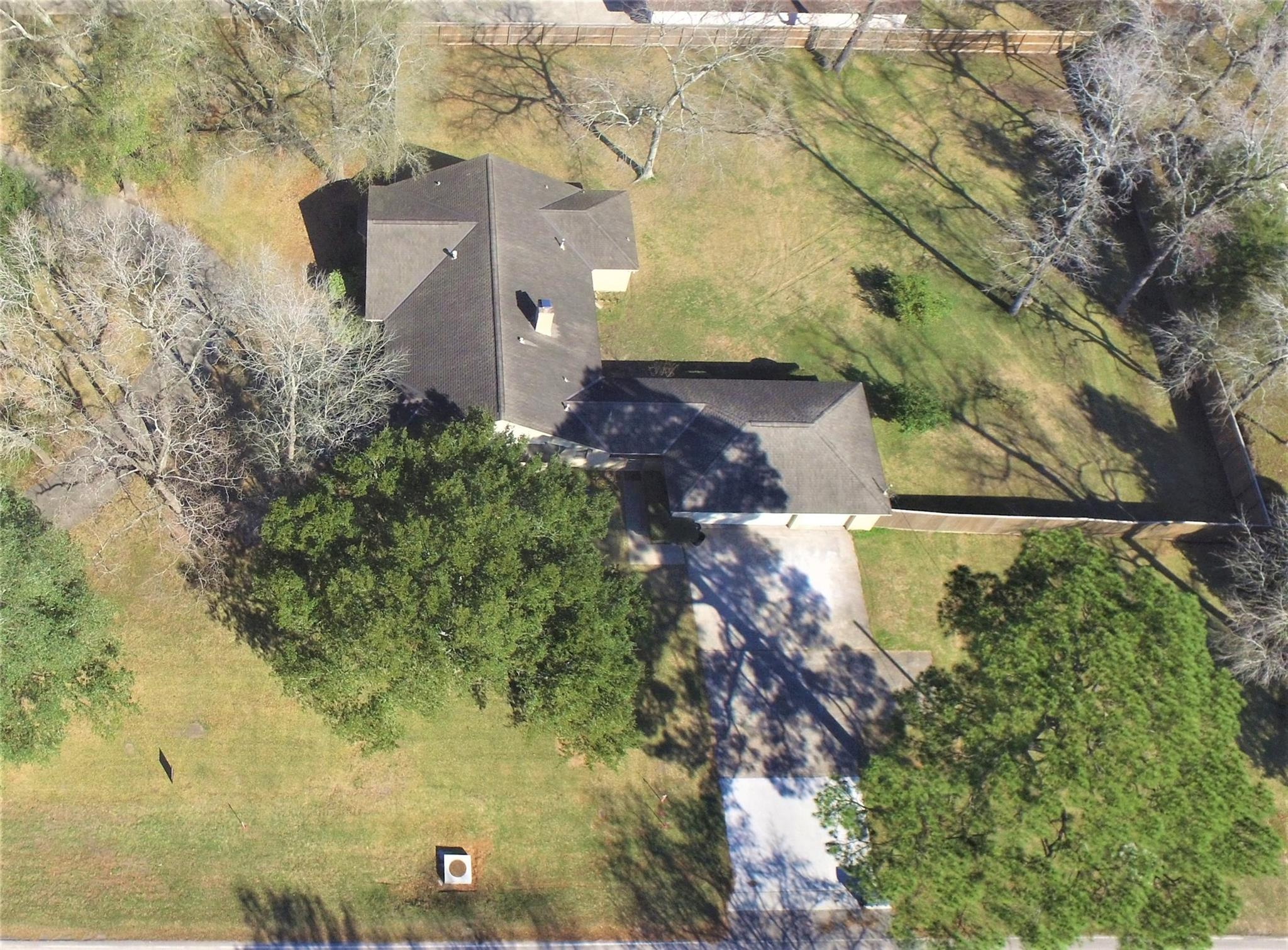 301 Maple Street Property Photo - Highlands, TX real estate listing