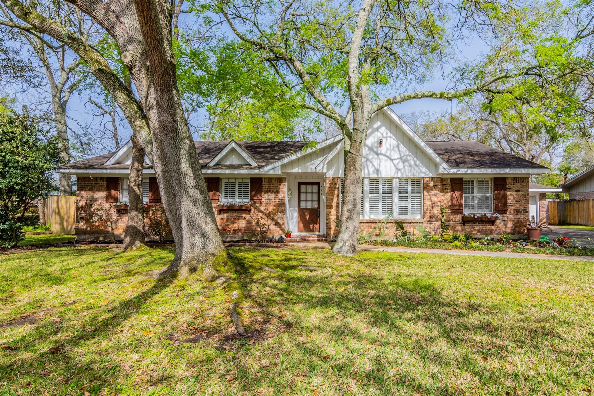 311 Bayou View Drive Property Photo - El Lago, TX real estate listing