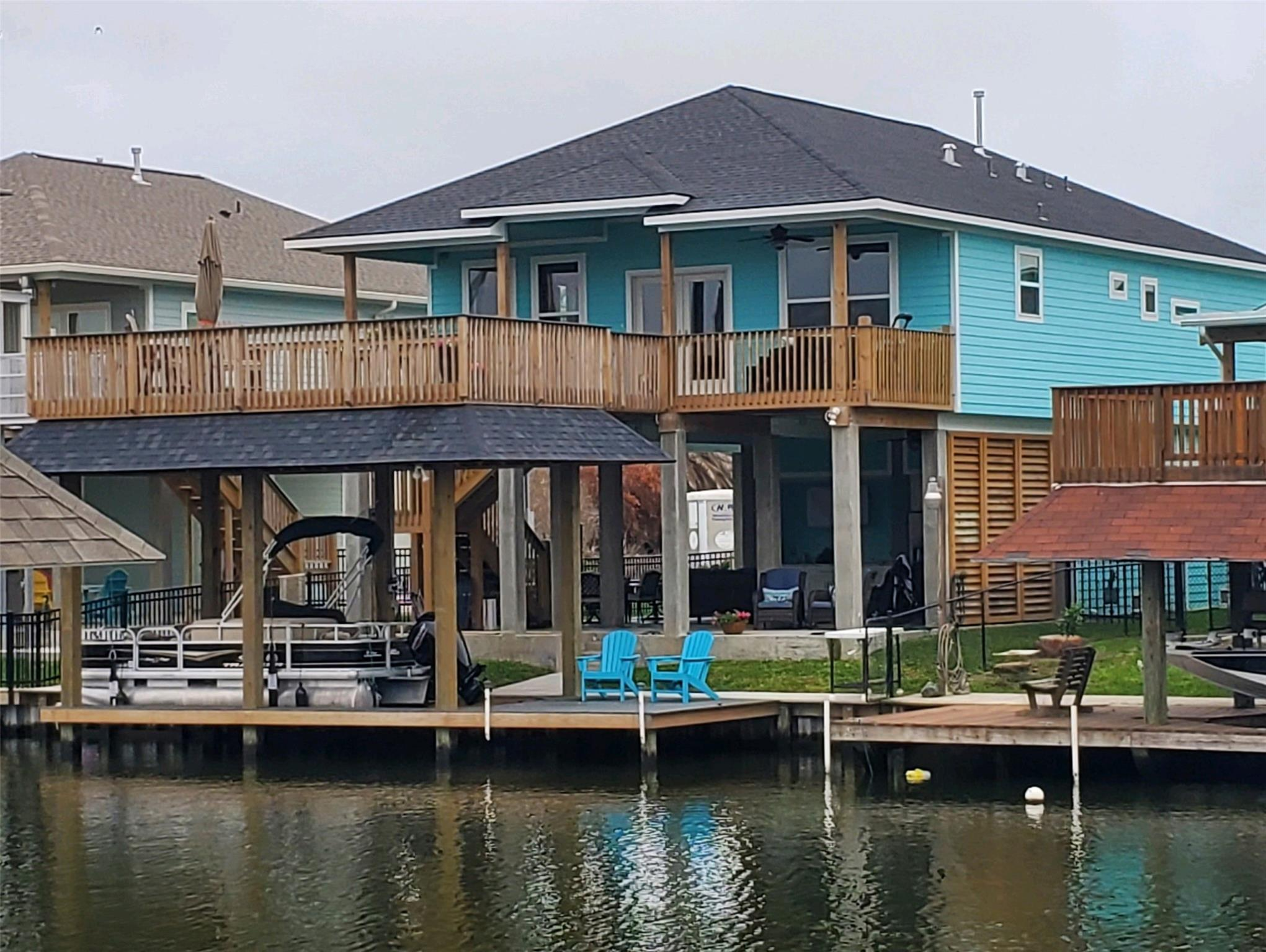 1169 Sailfish Street Property Photo - Bayou Vista, TX real estate listing