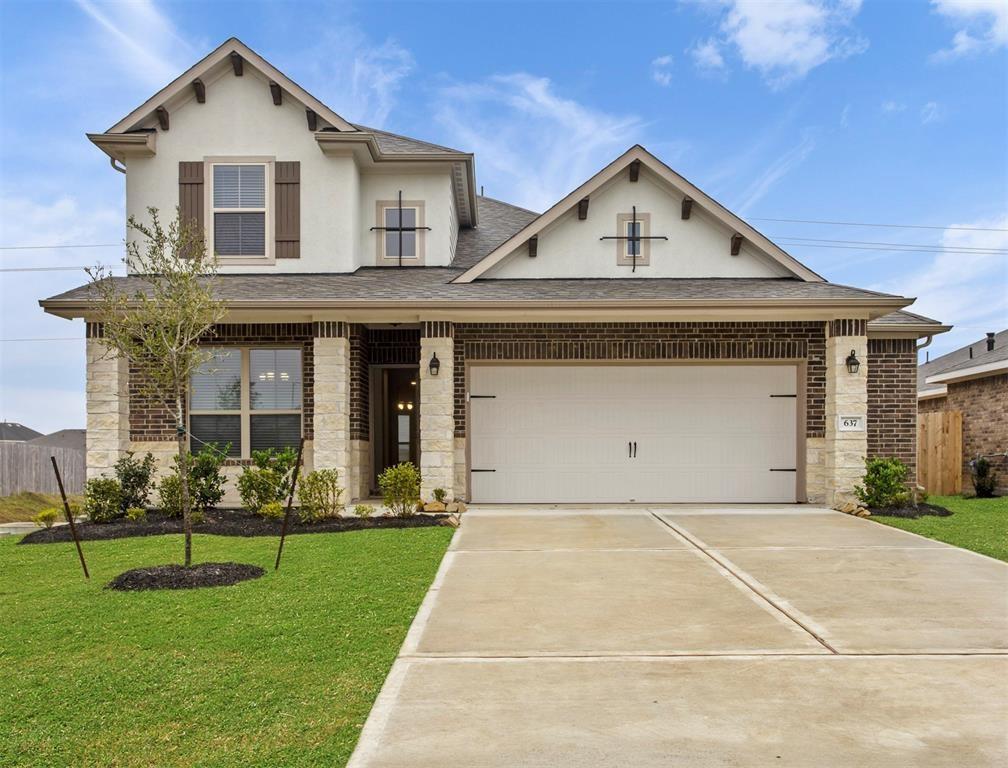 637 Forest Bend Lane Property Photo - La Marque, TX real estate listing