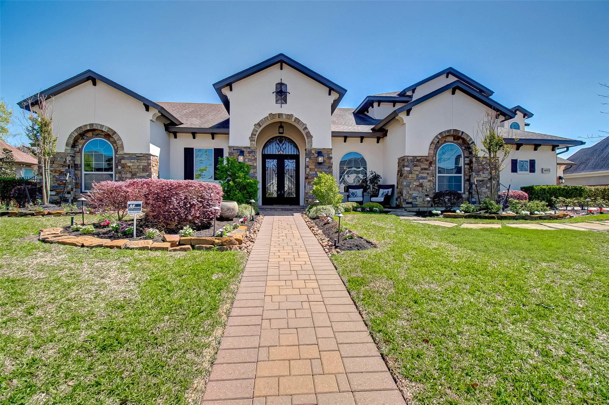 6115 Majestic Hill Drive Property Photo - Houston, TX real estate listing