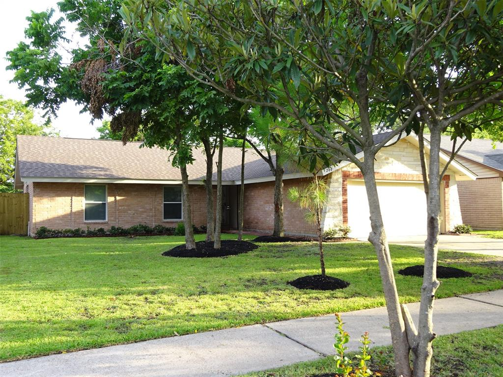 246 La Fonda Drive Property Photo - Houston, TX real estate listing