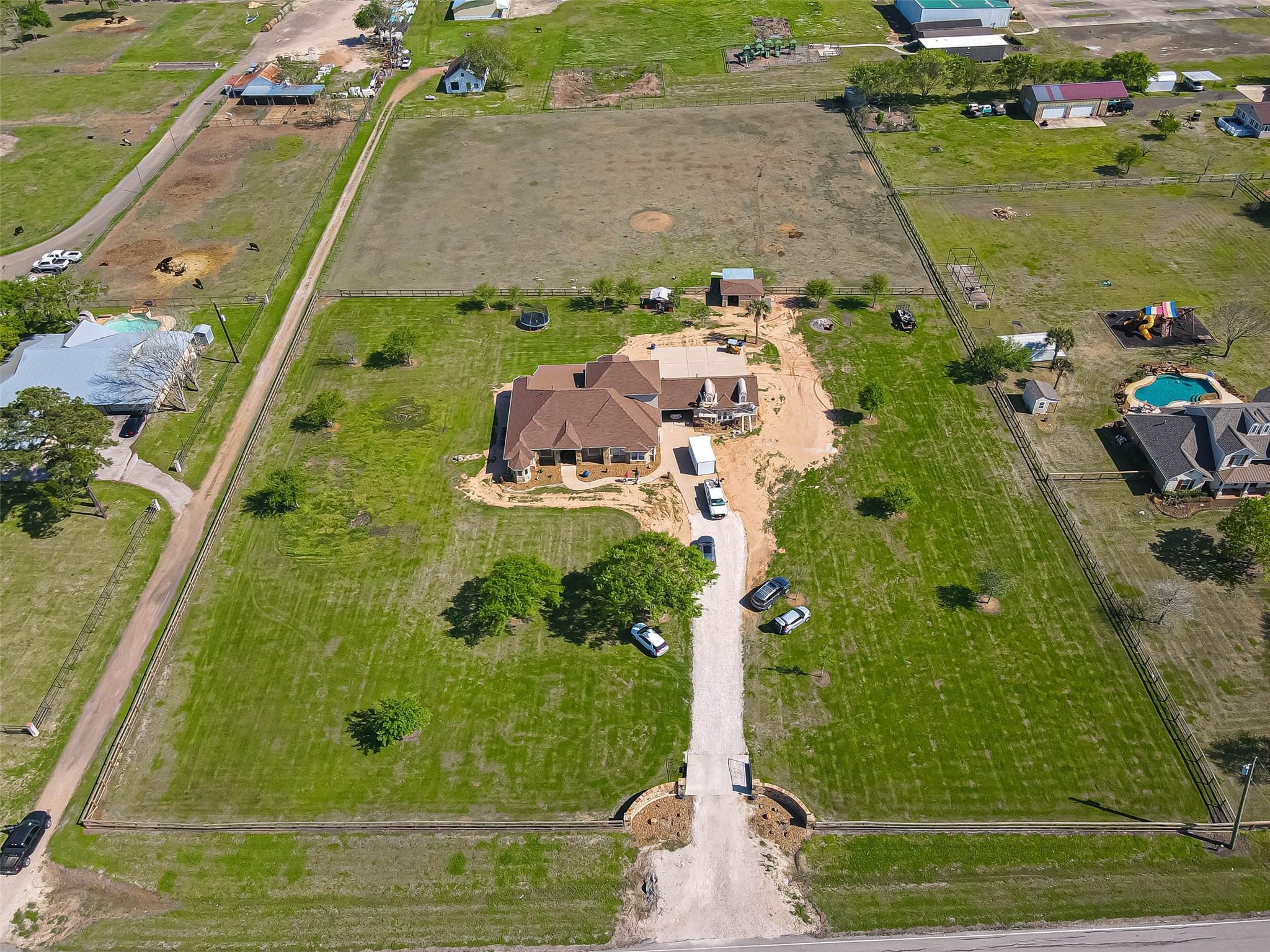 2827 Cottonwood School Road Property Photo 1