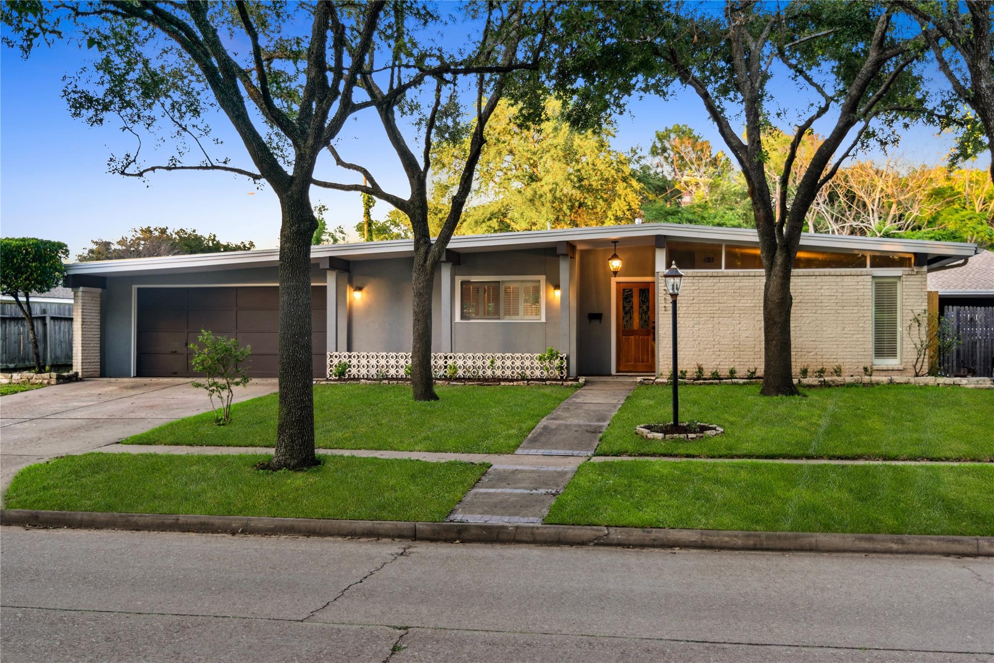 7311 Tours Street Property Photo