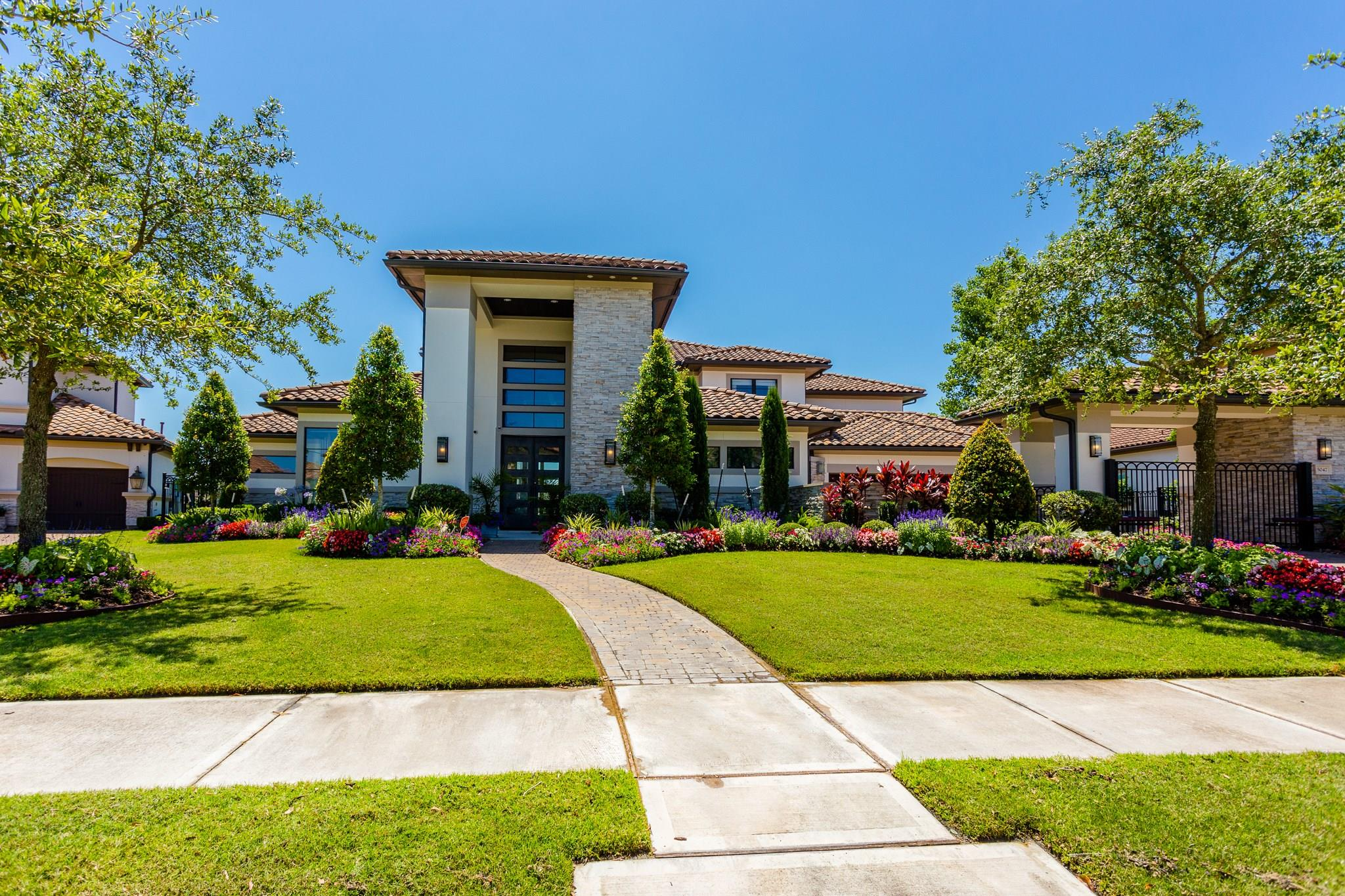 5047 Water View Bend Property Photo - Sugar Land, TX real estate listing