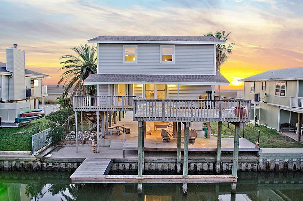 4414 Bob Smith Property Photo - Jamaica Beach, TX real estate listing