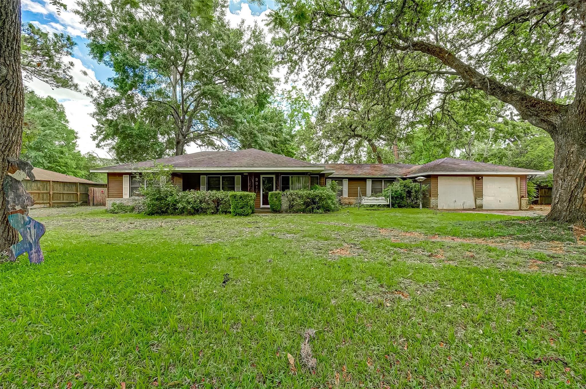 9917 Briarwild Lane W Property Photo - Houston, TX real estate listing