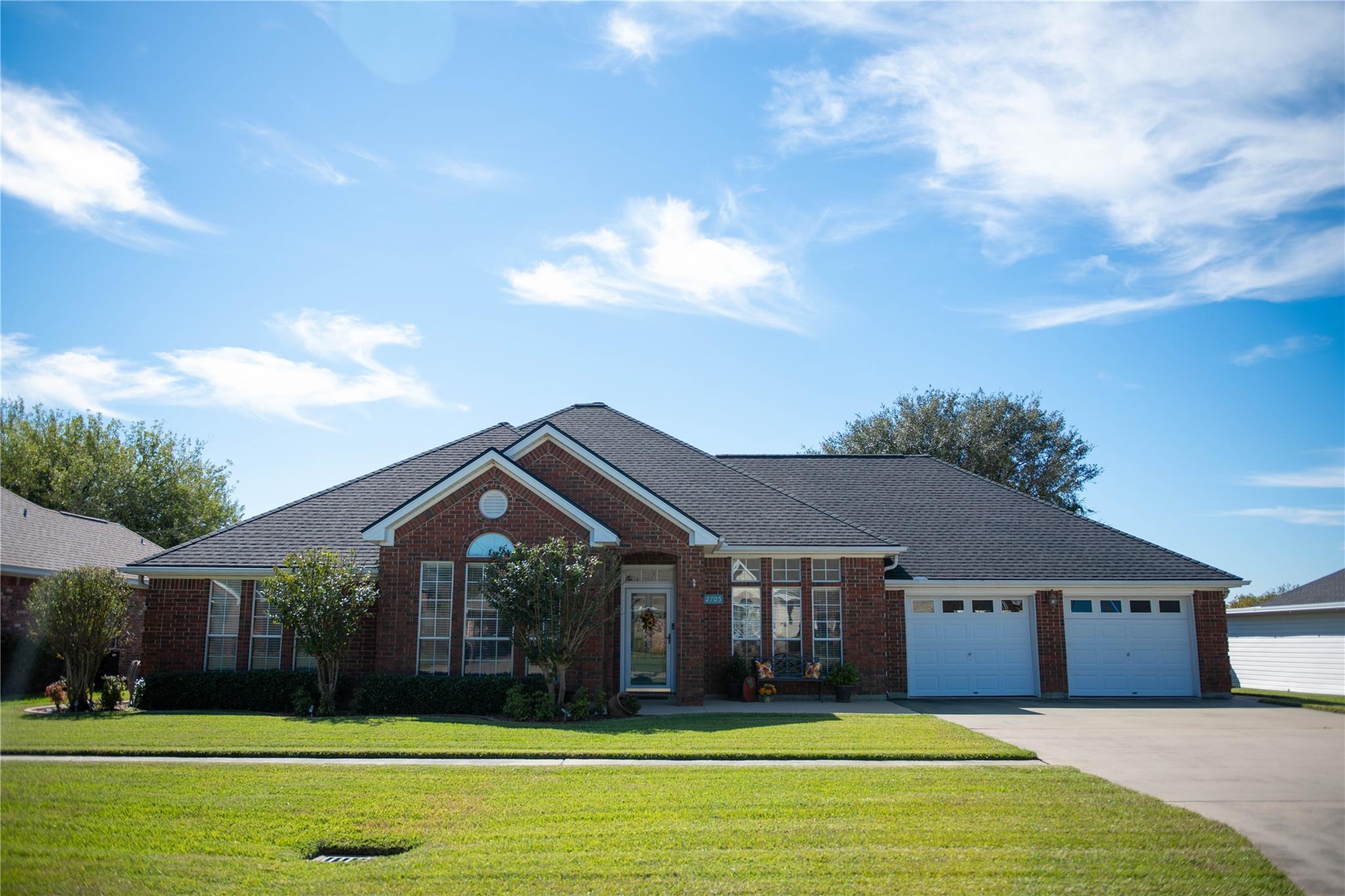 2705 Oak W Property Photo