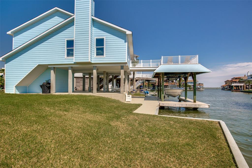 1830 Tiki Drive, Tiki Island, TX 77554 - Tiki Island, TX real estate listing