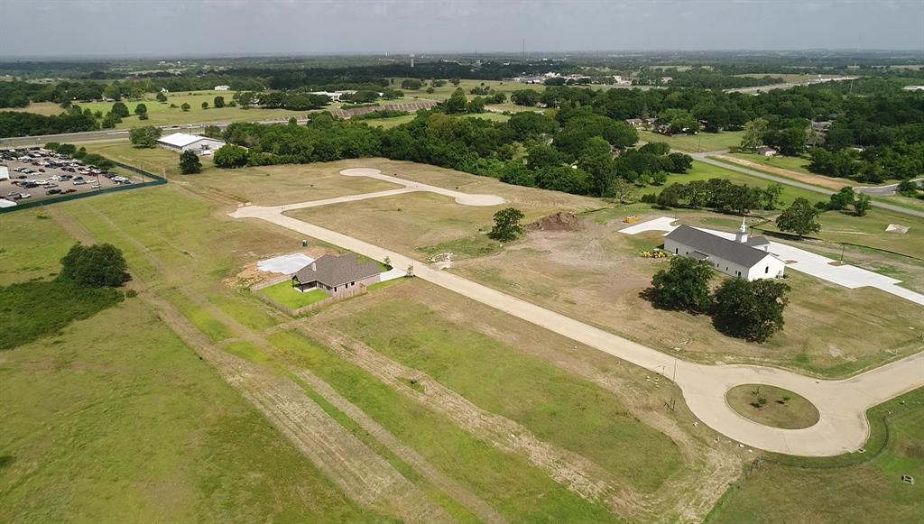1702 Timber Oaks Property Photo - Brenham, TX real estate listing