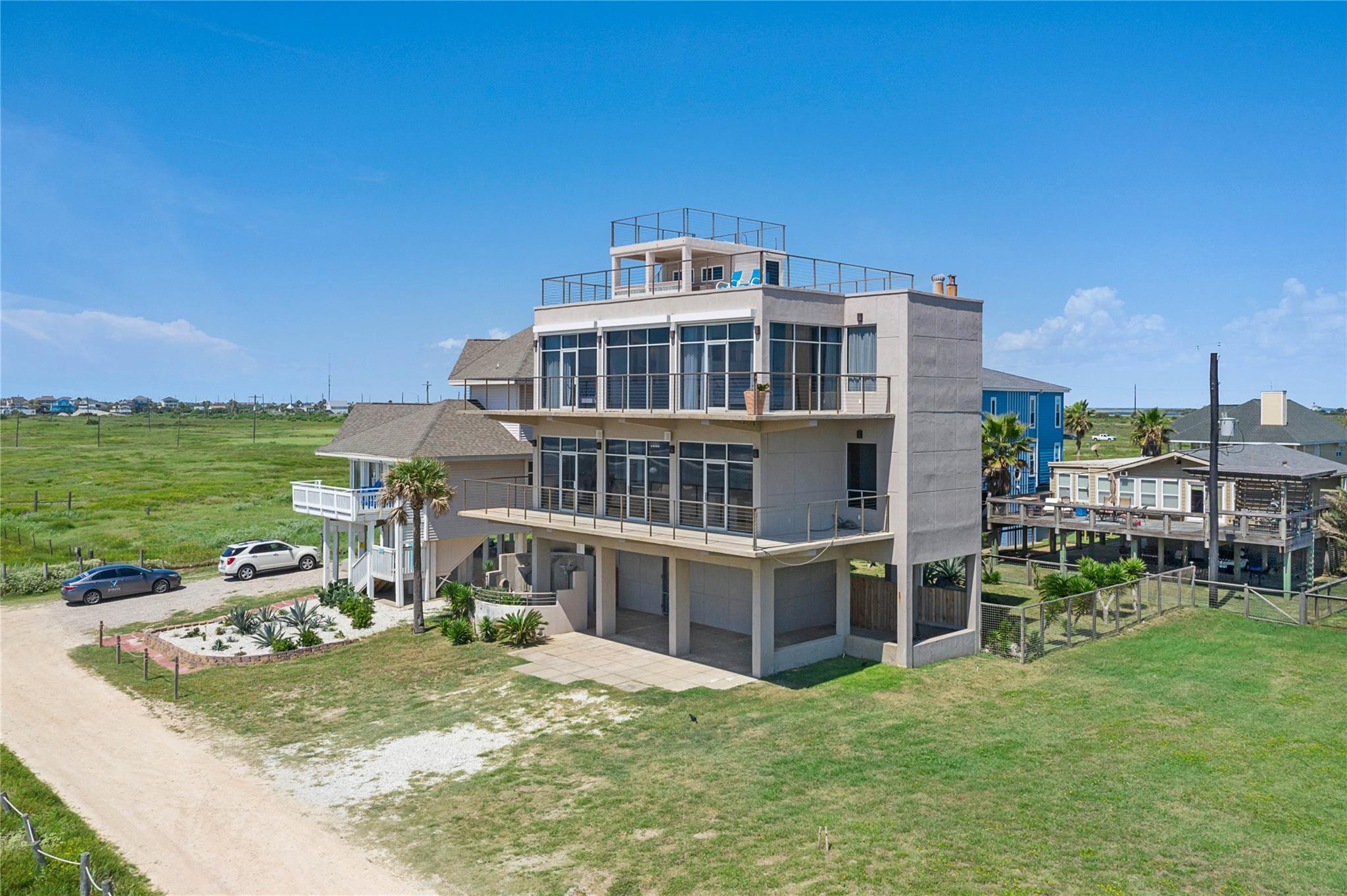 13210 Bermuda Beach Drive Property Photo - Galveston, TX real estate listing