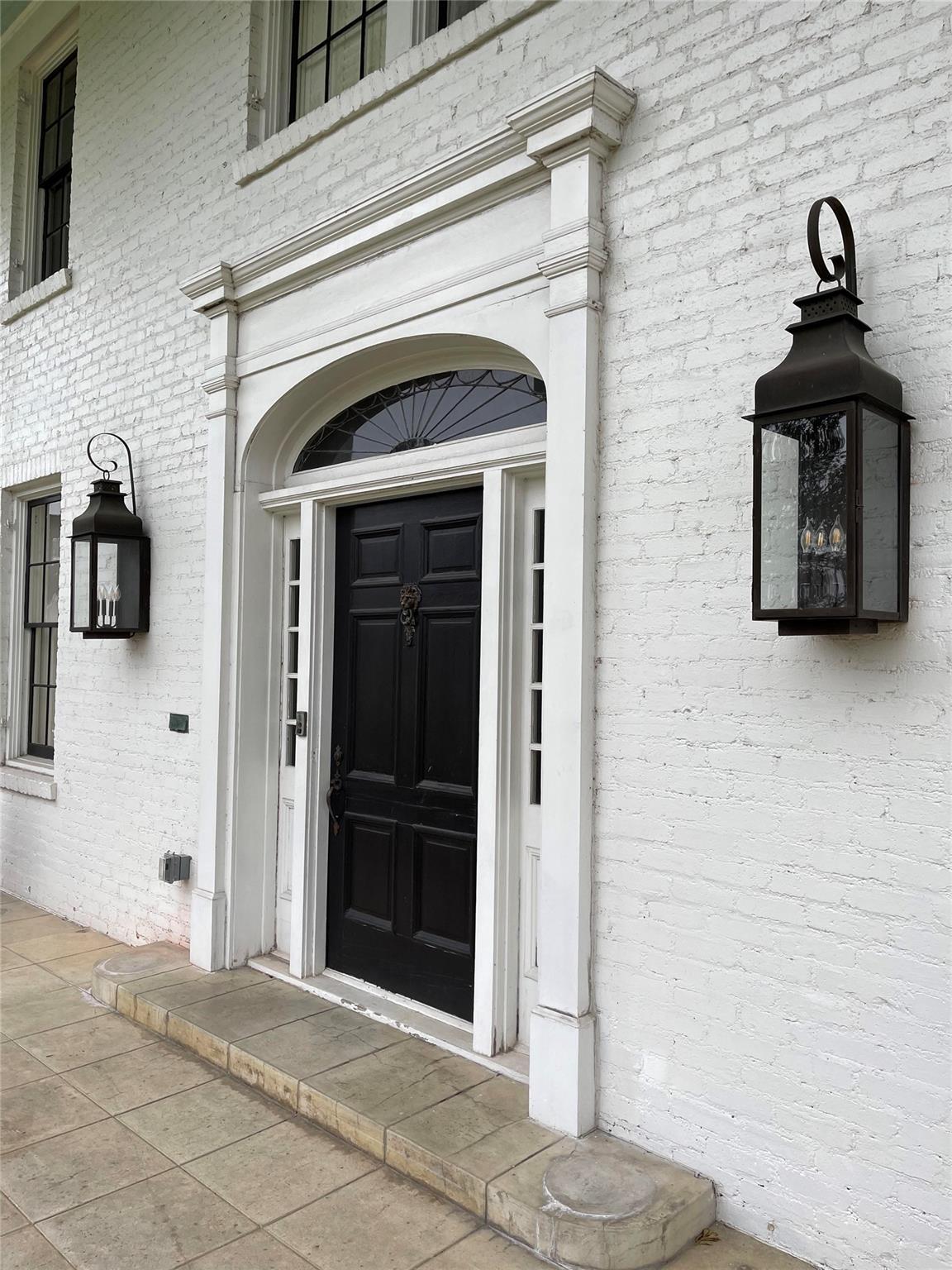 140 E Caldwood Drive Property Photo - Beaumont, TX real estate listing