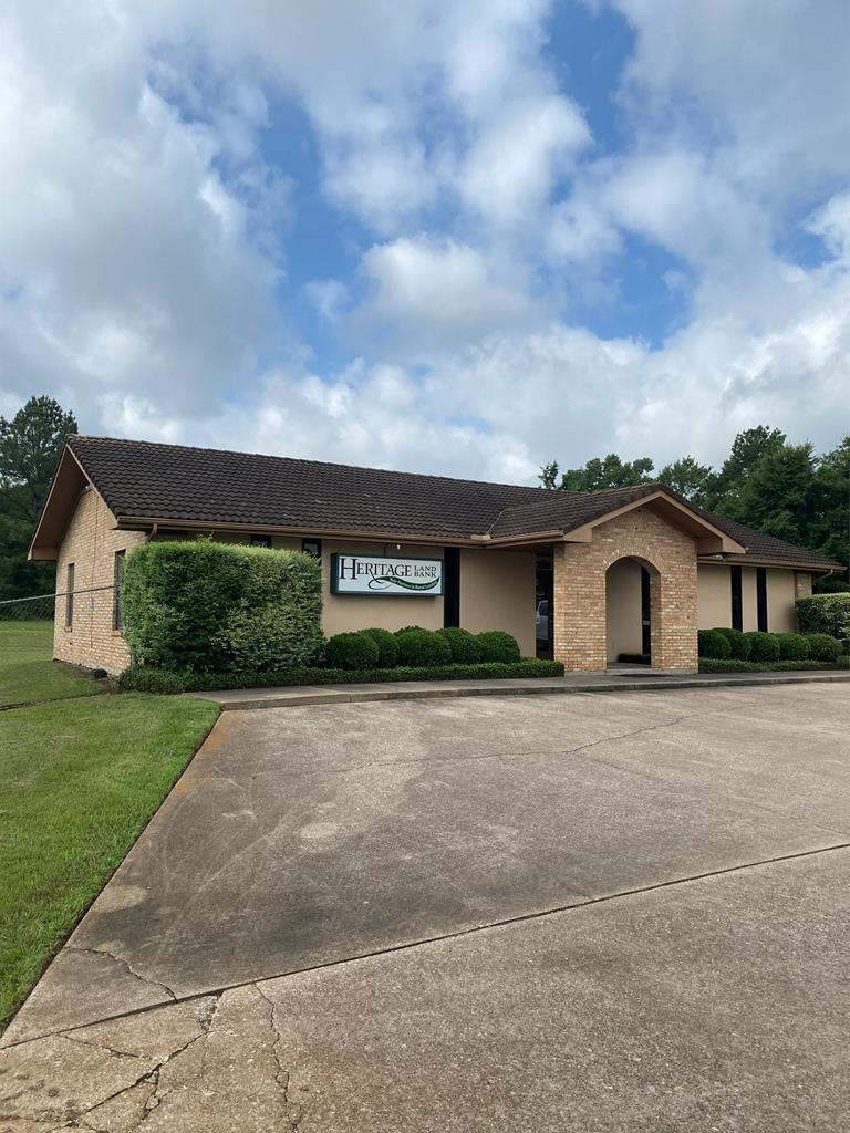 2519 N Stallings Drive Property Photo - Nacogdoches, TX real estate listing
