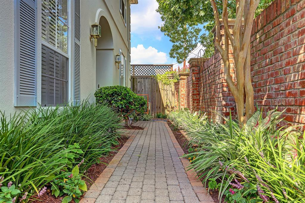 A C Reynolds (saint Street Place) Real Estate Listings Main Image